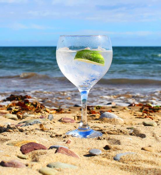 Perfect serve Original Beara Ocean gin and tonic
