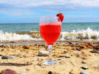 Beara Strawberry fizz Cocktail